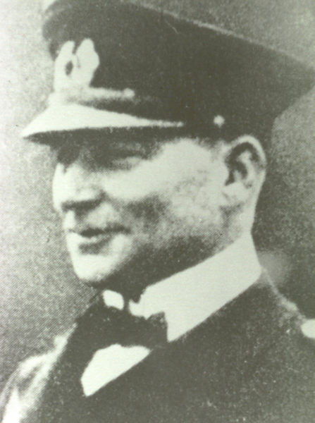 photo of Fritz Sachsse, german senior officer at raikeswood camp dressed in German Navy uniform